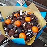 Букет с маффинами, шоколадом и мандаринами., фото 2