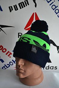 Шапка Adidas черно-зеленого цвета с балабоном