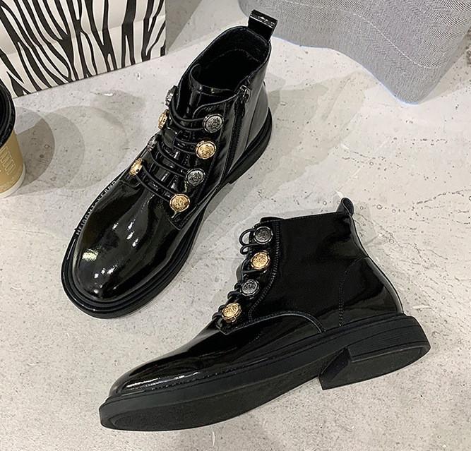 Женские лаковые ботинки. Модель 70345