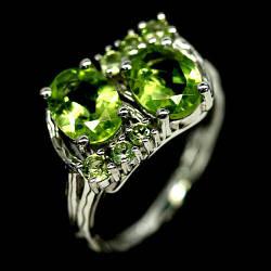 Серебряное кольцо с хризолитом (перидот, оливин), 2587КЦХ