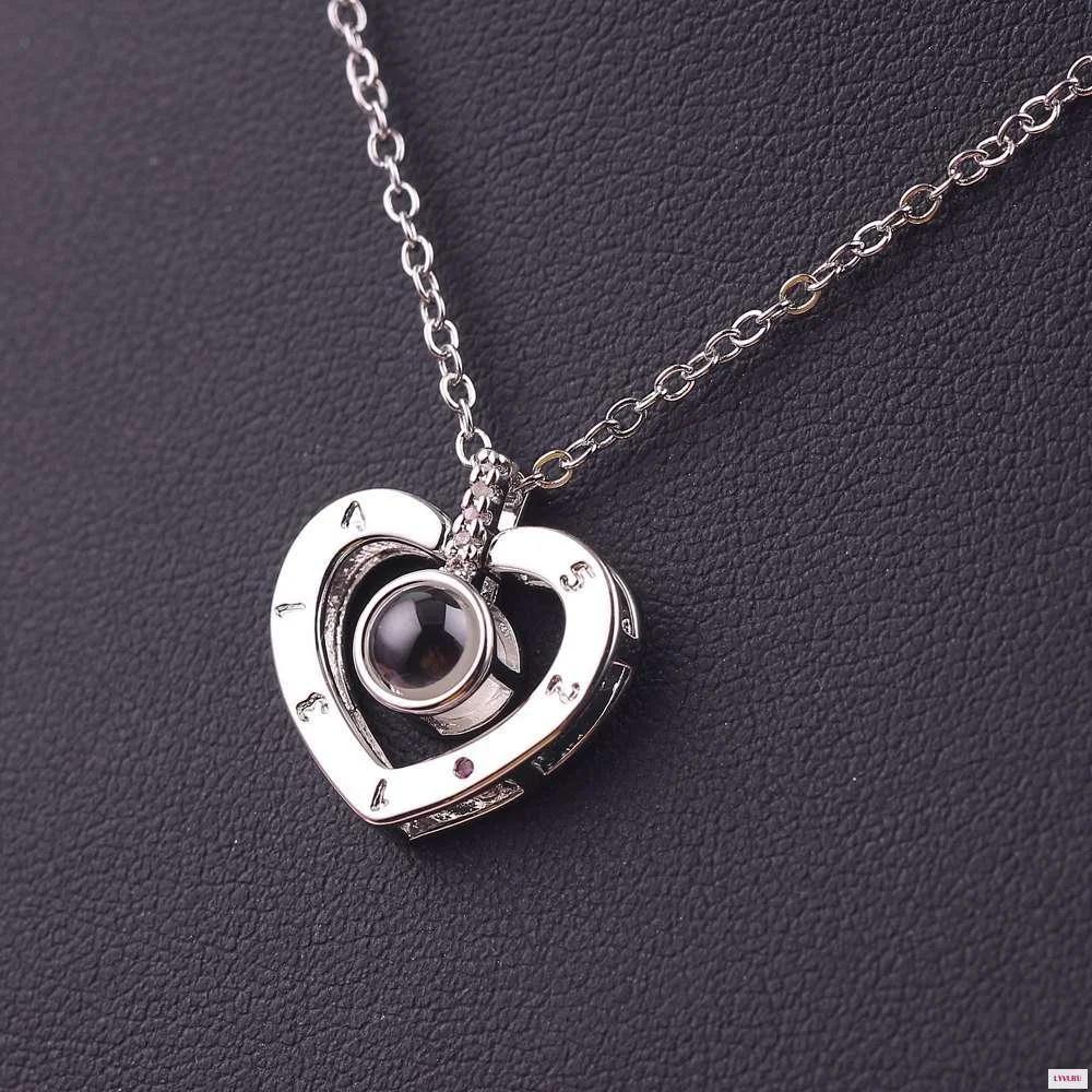 Кулон с цепочкой сердце Я тебя люблю на 100 языках мира в форме сердца цвет Серебро с цепочкой