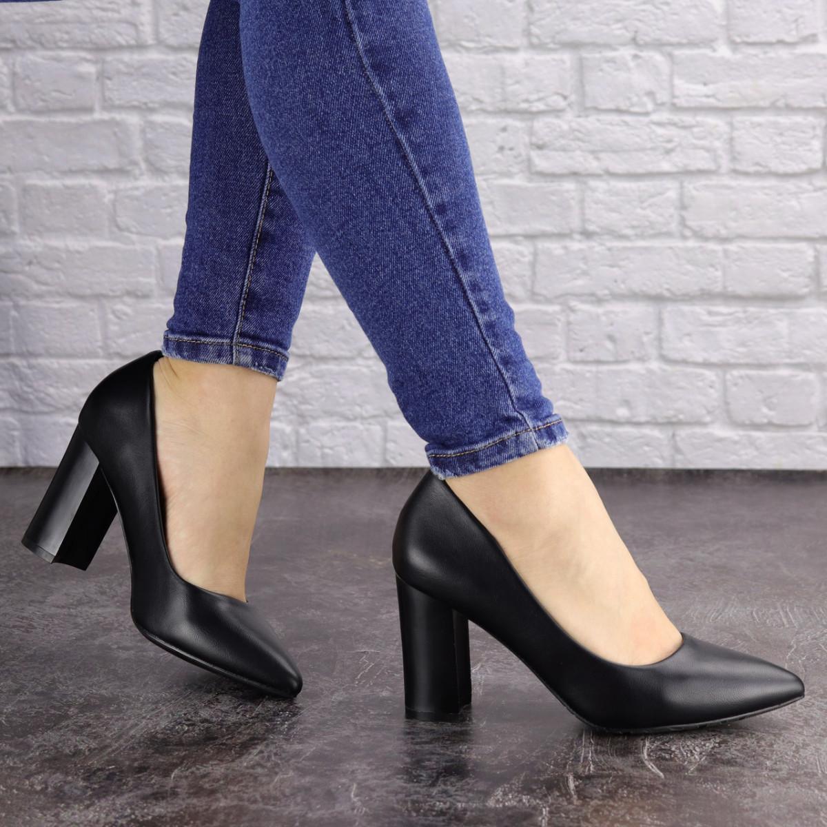 Туфли женские на каблуке черные Brandy 1601 (36 размер)