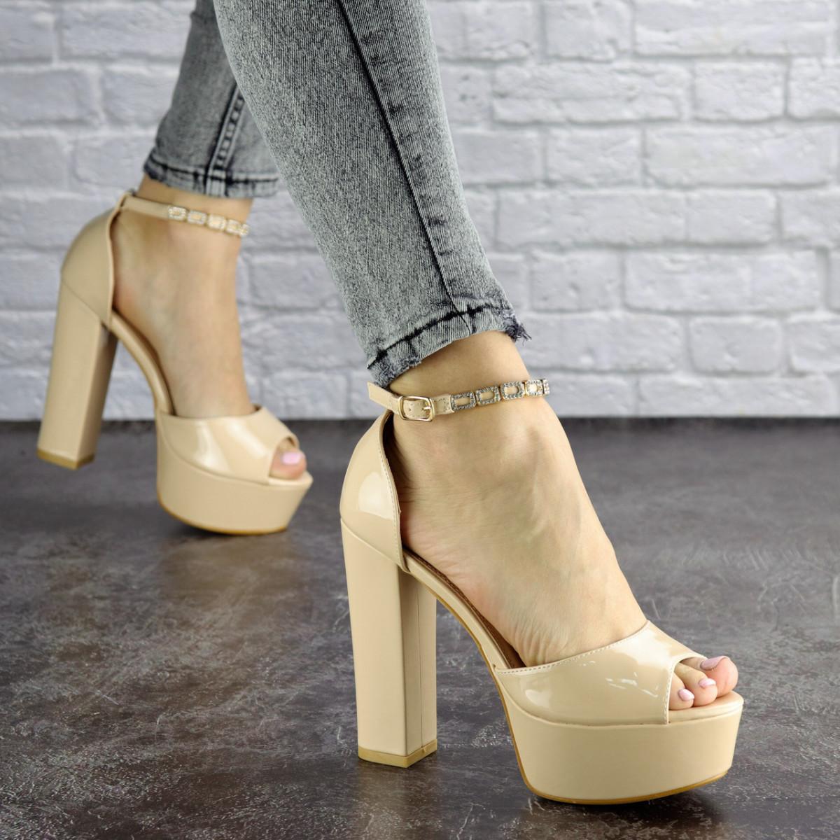 Женские стильные босоножки Kassie на каблуке 1193 (37 размер)