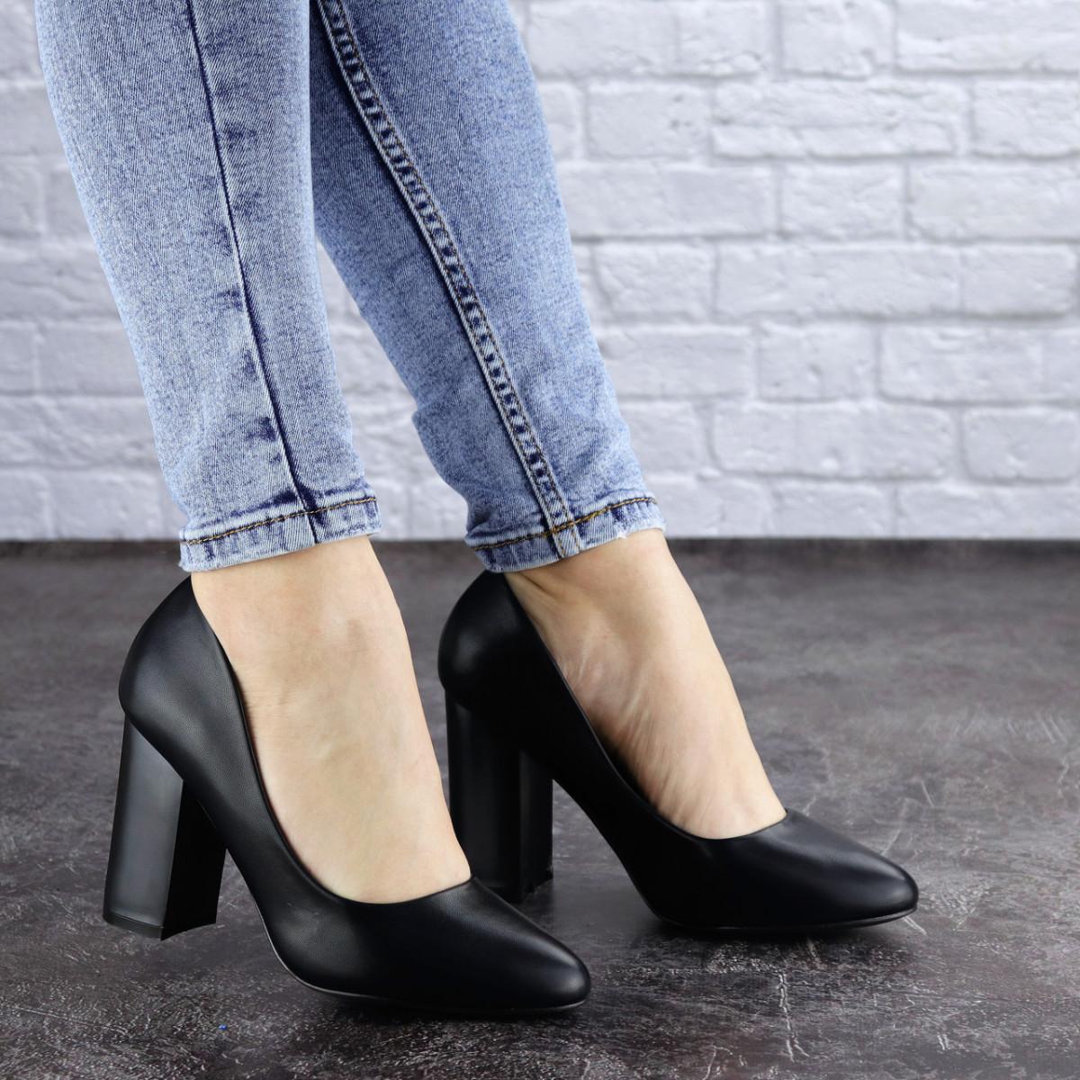 Женские туфли на каблуке черные Denali 1979 (37 размер)