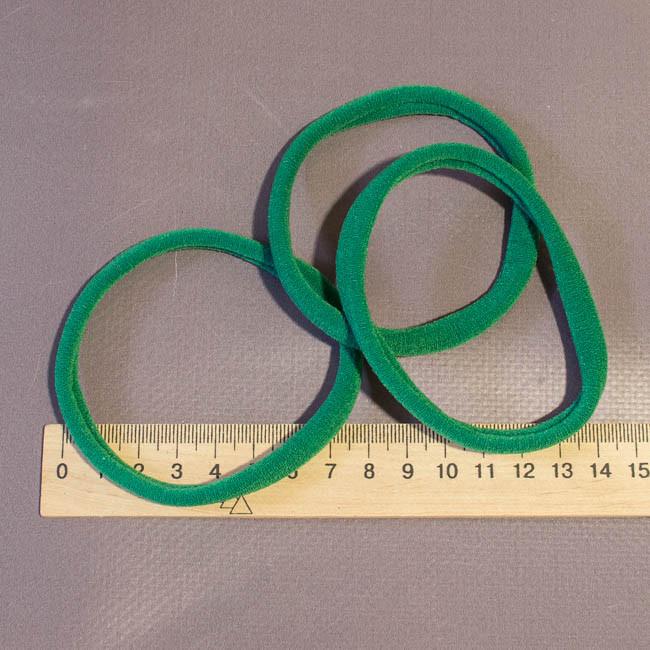 Велюровая повязка зеленый