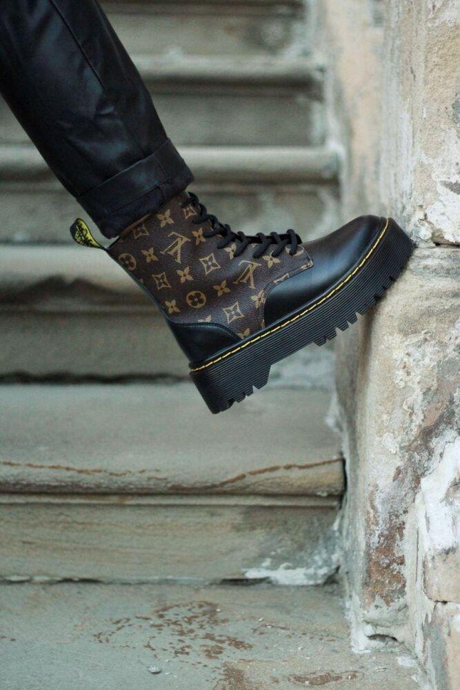 Жіночі черевики Dr Martens LV в стилі Доктор Мартінс Чорні НА ХУТРІ (Репліка ААА+)