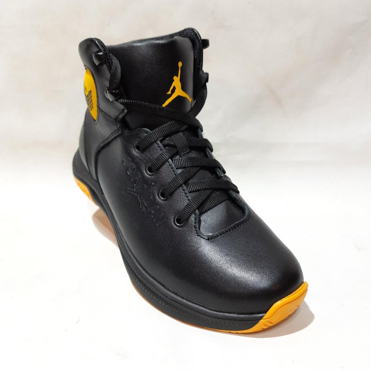 Мужские зимние спортивные кожаные ботинки теплые кроссовки на меху Черные