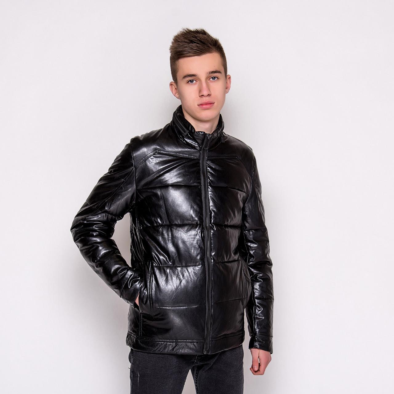 Чоловіча зимова шкіряна куртка, чорного кольору.