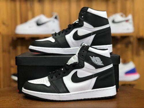Кроссовки женские Nike Air Jordan 1 Retro Black White в стиле найк джордан (Реплика ААА+)