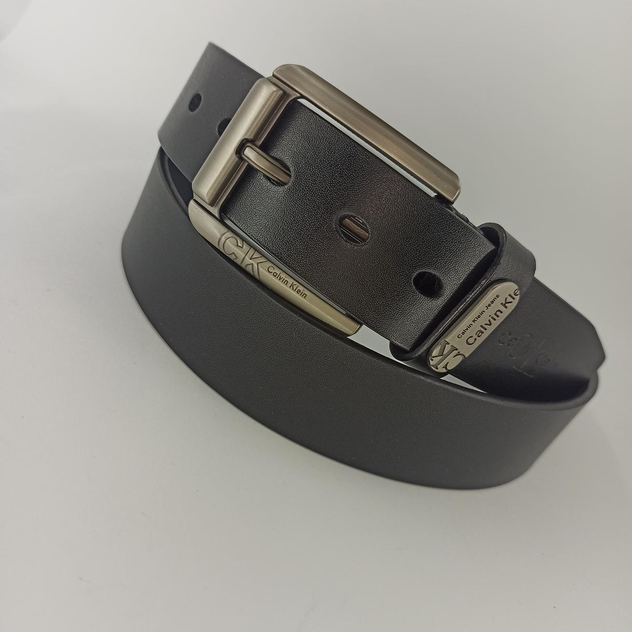 Кожаный мужской ремень с классической пряжкой 120 см zk 04372 black