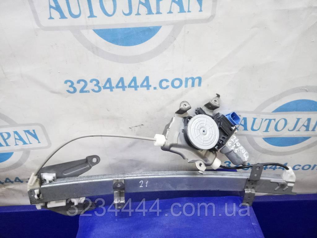 Склопідйомник RR задній правий INFINITI G25/G35/G37/Q40 06-14