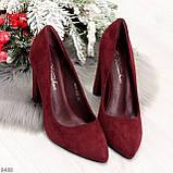 Стильные молодежные бордовые женские замшевые туфли на устойчивом каблуке, фото 8