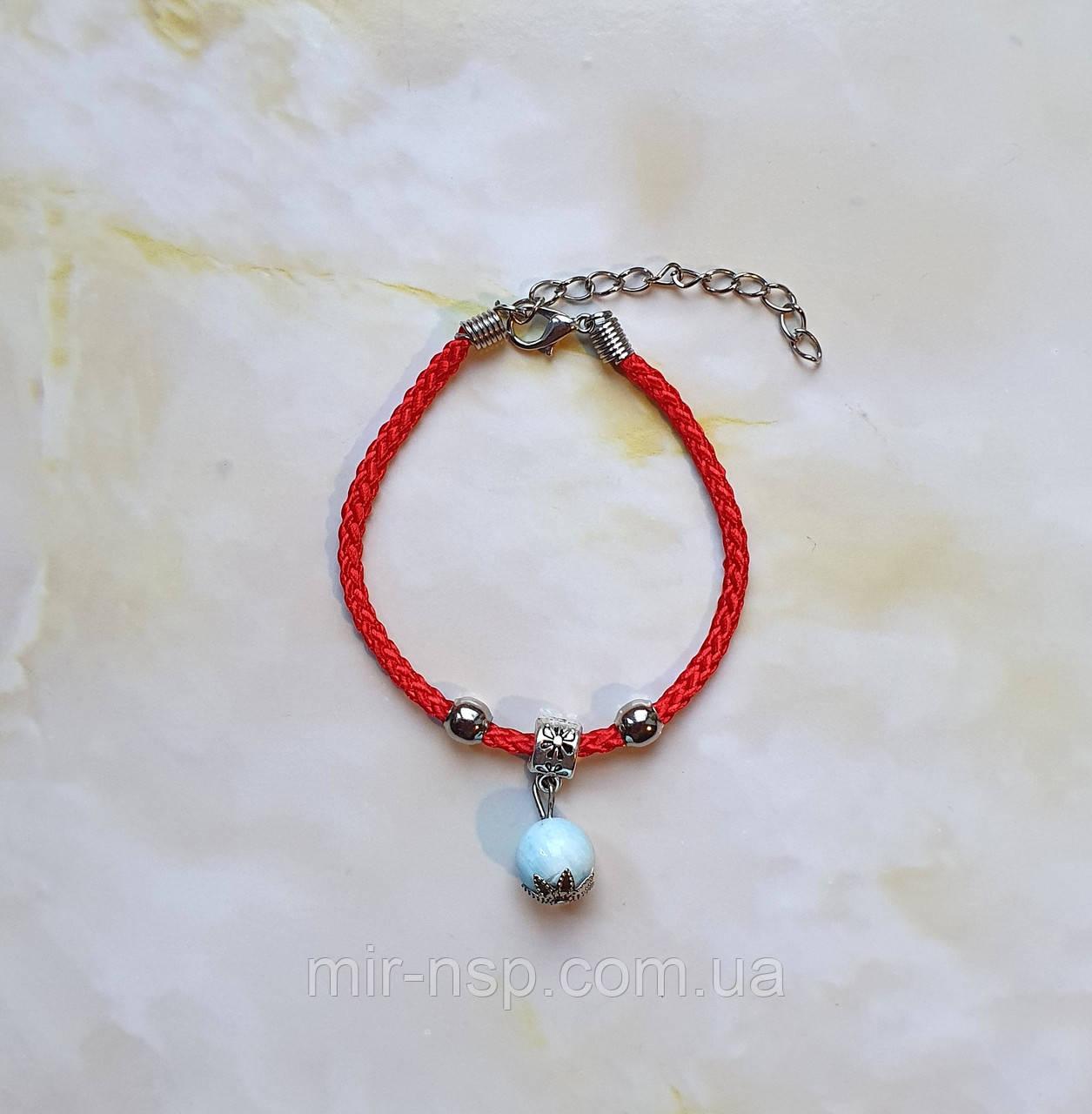 Красная нить оберег натуральный камень Ларимар