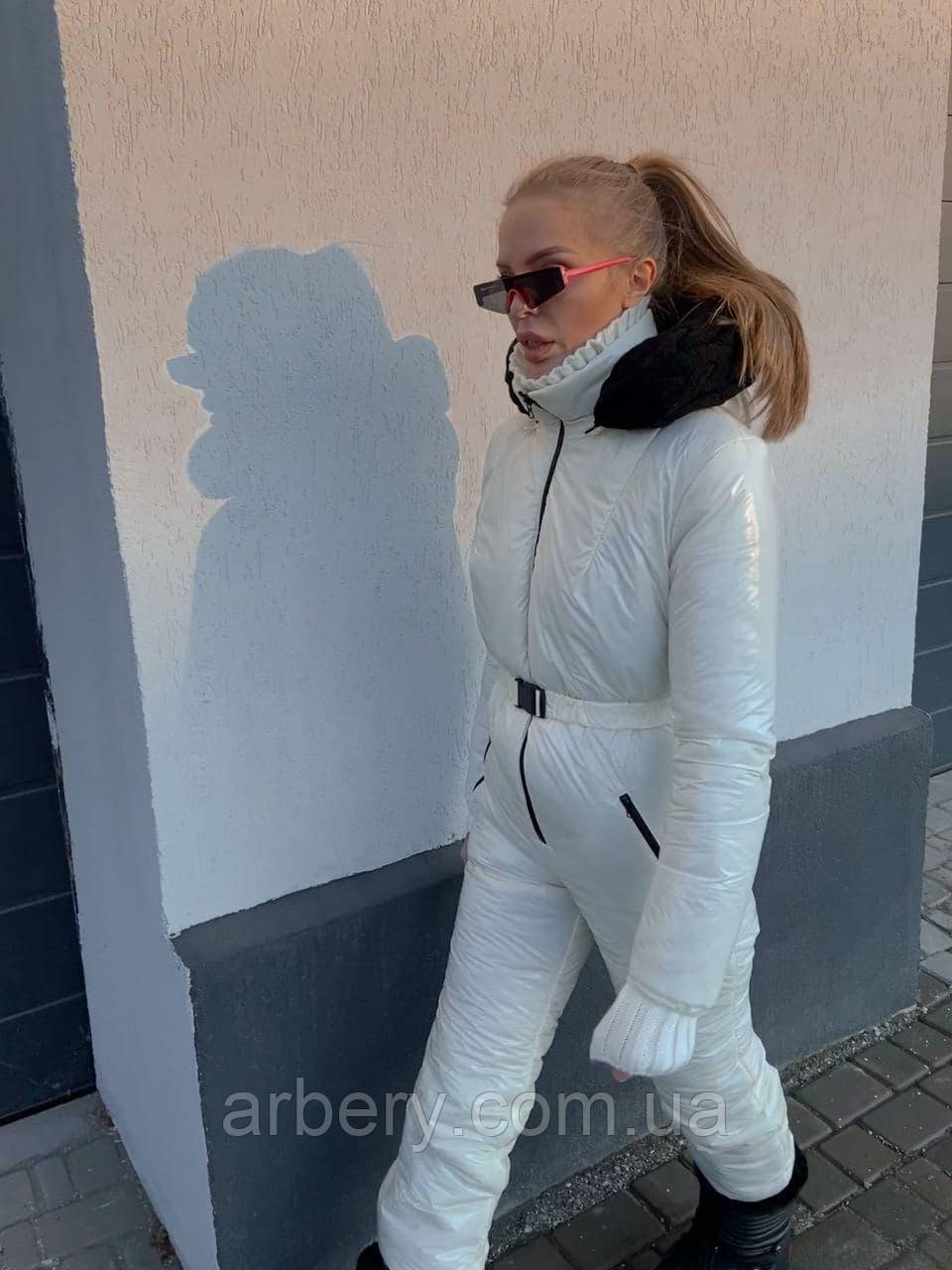 Шикарный лыжный комбинезон с рюкзачком