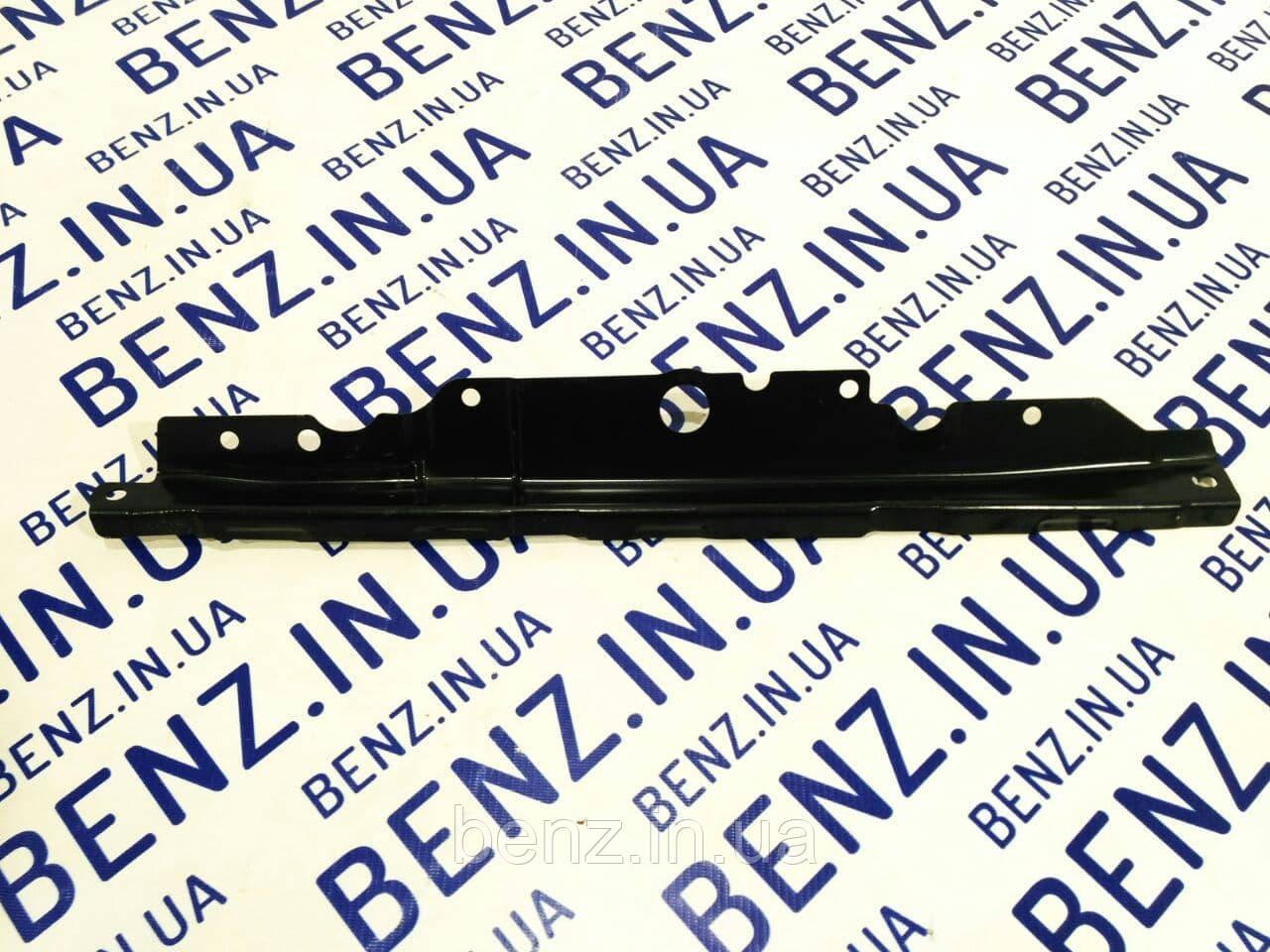 Распорка нижней части правой двери Mercedes C207/A207/W207 A2076390643