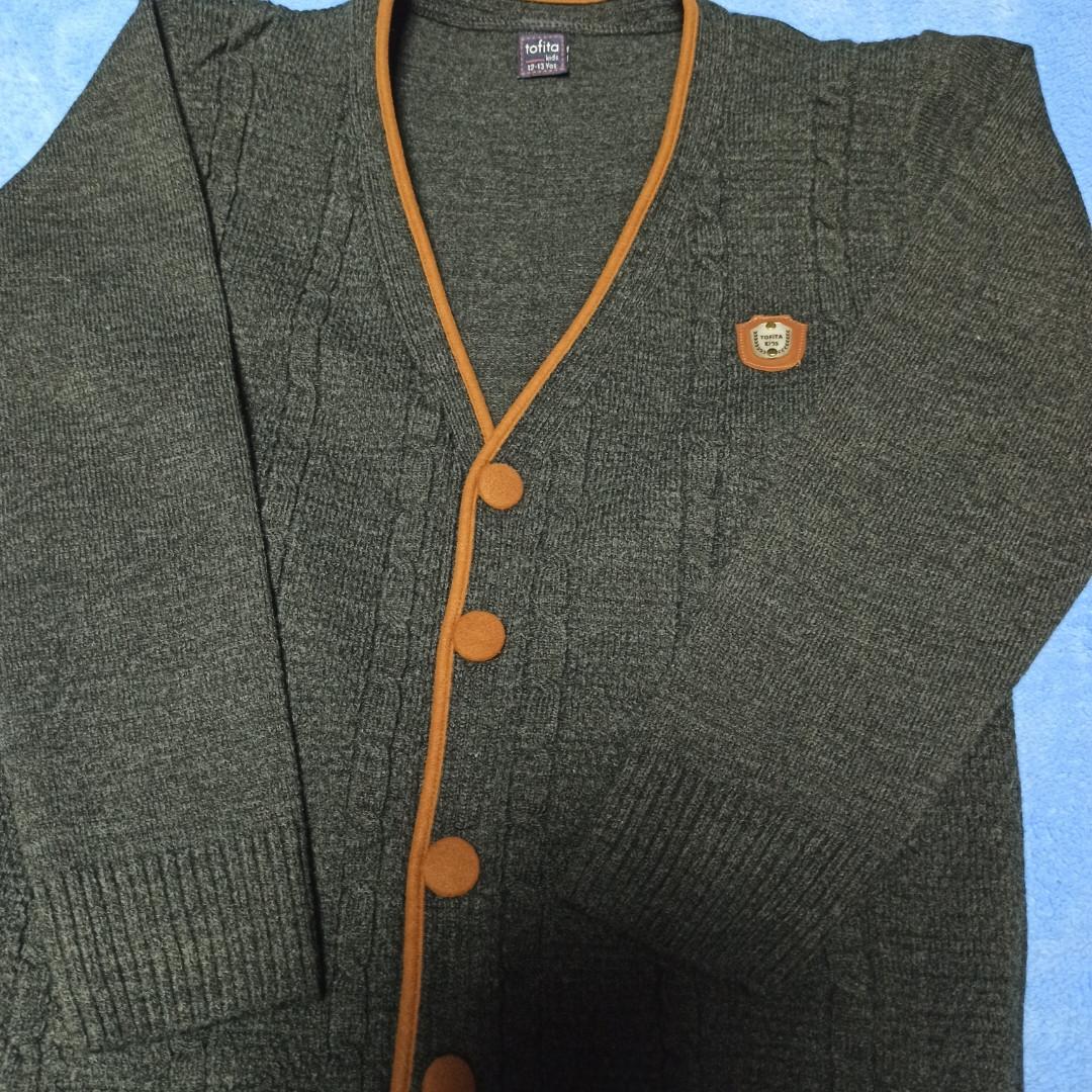 Кофта модная нарядная красивая теплая стильная серого цвета на пуговицах для мальчика.