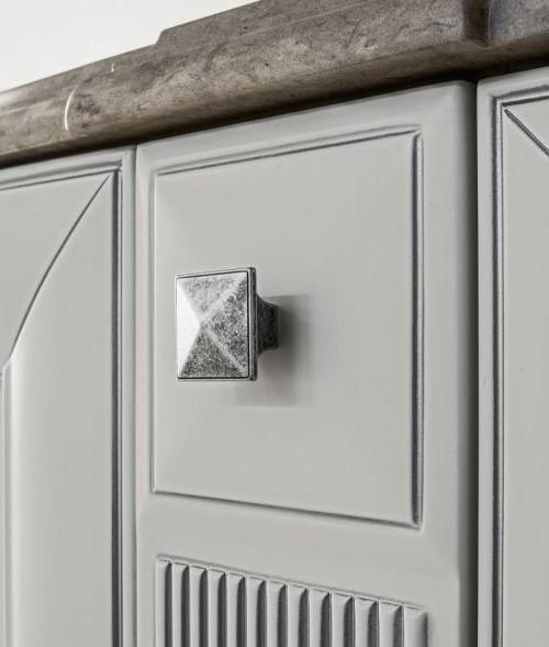 Стильная ручка кнопка в серебре Италия