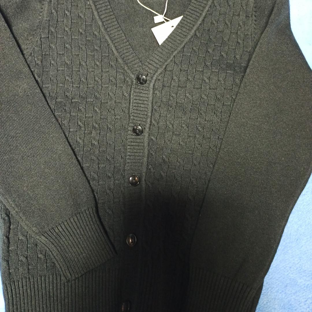 Джемпер модный красивый нарядный стильный чёрного цвета на пуговицах для мальчика.