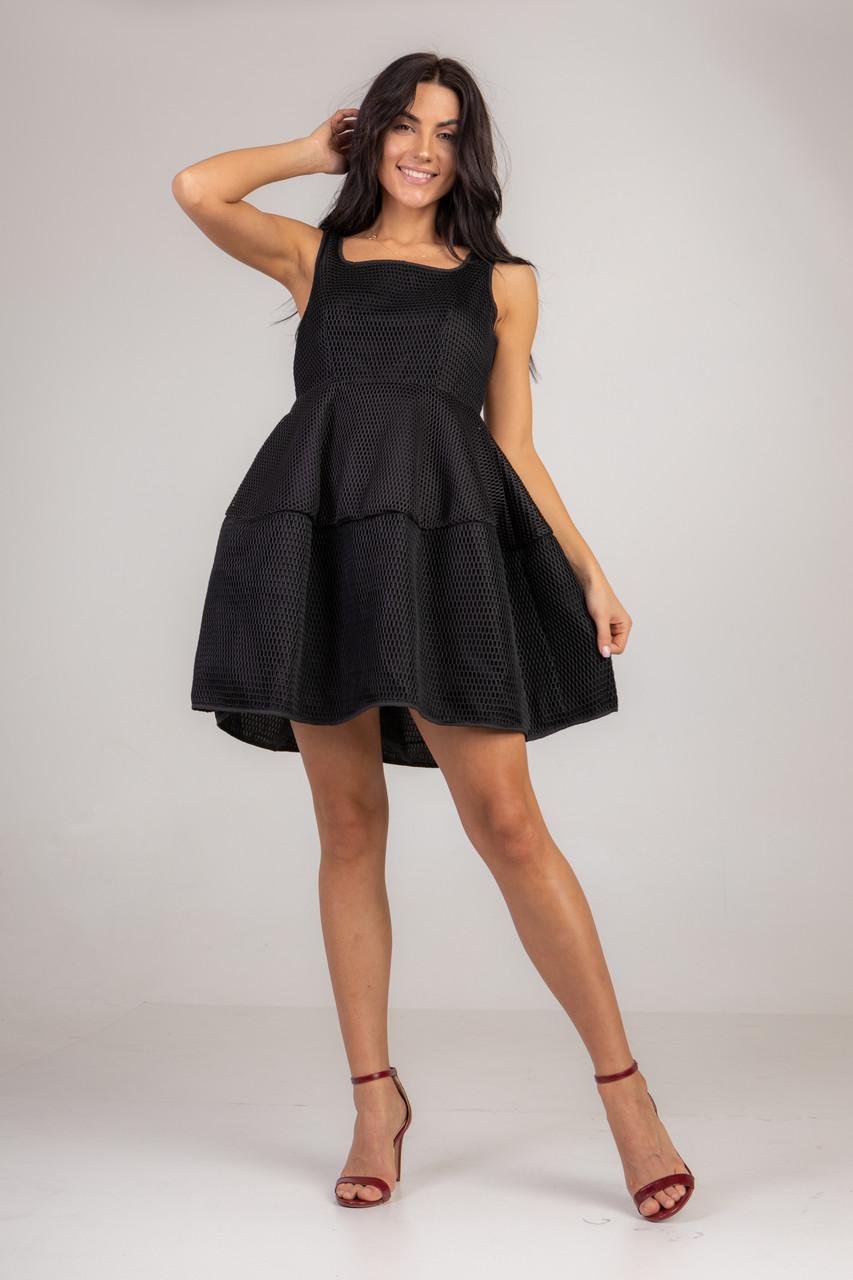 Маленькое черное платье в размере L