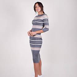 Трикотажное приталенное полосатое платье-миди в рубчик  в 3 расцветках в универсальном размере