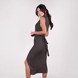 Собазнительное платье-миди в рубчик без рукавов с распоркой  в 3 расцветках в универсальном размере