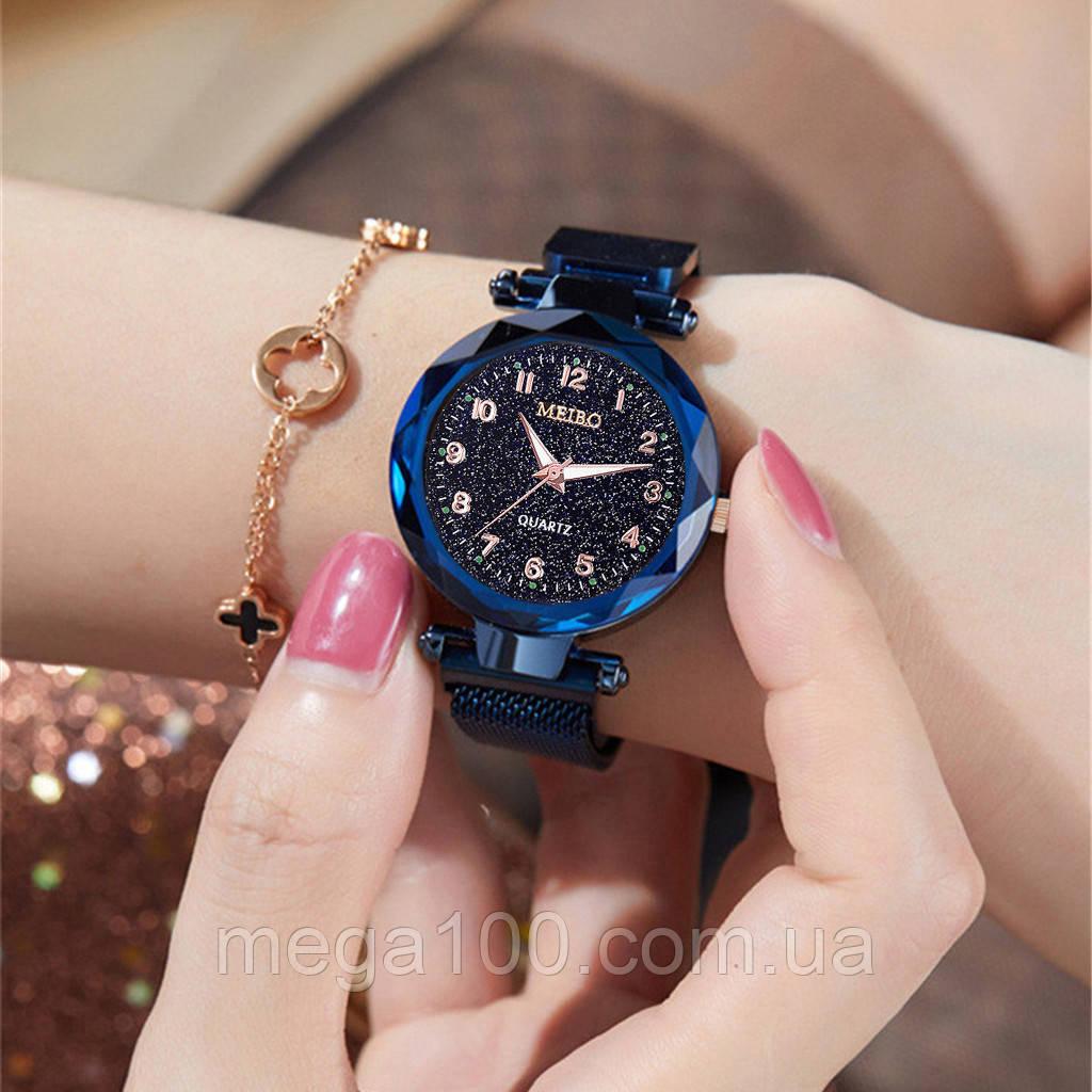 Женские наручные часы на магнитном браслете в синем цвете