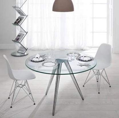 Купит пластиковые стулья Тауэр белые на метал ножках хром