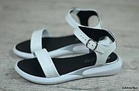 Женские сандали / босоножки, кожа, белые 38(24,5 см)