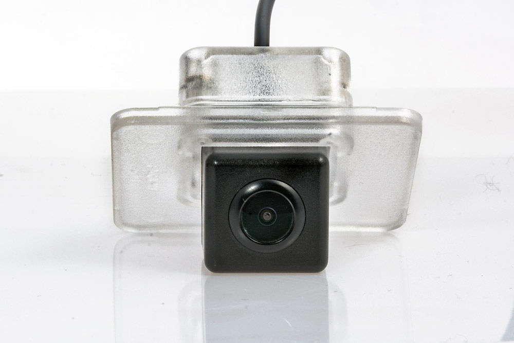 Штатная камера заднего вида Phantom CA-35+FM-06 (Hyundai/Kia)