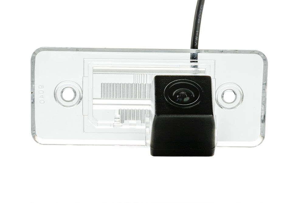Штатная камера заднего вида Phantom CA-35+FM-16 (VW/Skoda/Seat)