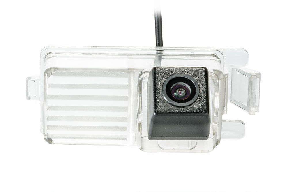 Штатная камера заднего вида Phantom CA-35+FM-26 (Nissan)