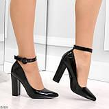 Эффектные нарядные черные глянцевые туфли на каблуке, фото 5