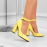 Эффектные нарядные яркие желтые лимонные туфли на каблуке, фото 2
