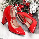 Эффектные нарядные яркие лаковые красные туфли на каблуке, фото 9