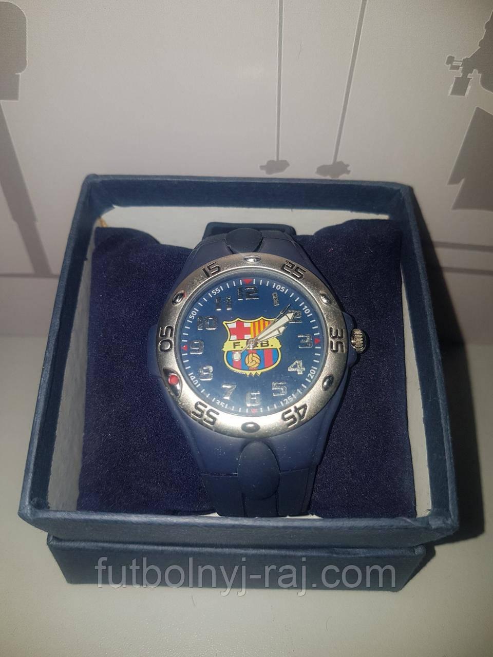 Часы наручные с символикой FC Barcelona.
