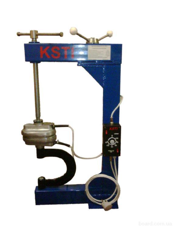 Вулканизатор универсальный с винтовым прижимом для шин и камер KSTI RC 2101