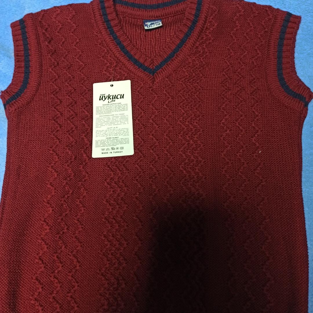 Жилет модный красивый нарядный стильный классический бордового цвета для мальчика.