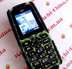 Тактический телефон LAND ROVER (аналог RANGE ROVER) XP3300 - 2 Sim, 16000 mAh power bank, фото 3