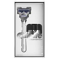 Подарочный набор Gillette Skinguard Sensitive Premium Edition (7702018507221)