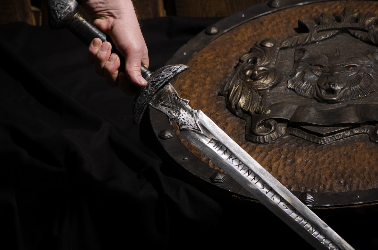 Рунический меч Скандинавов  + ножны - ручная работа (гравировка, кожа, сталь Г90)