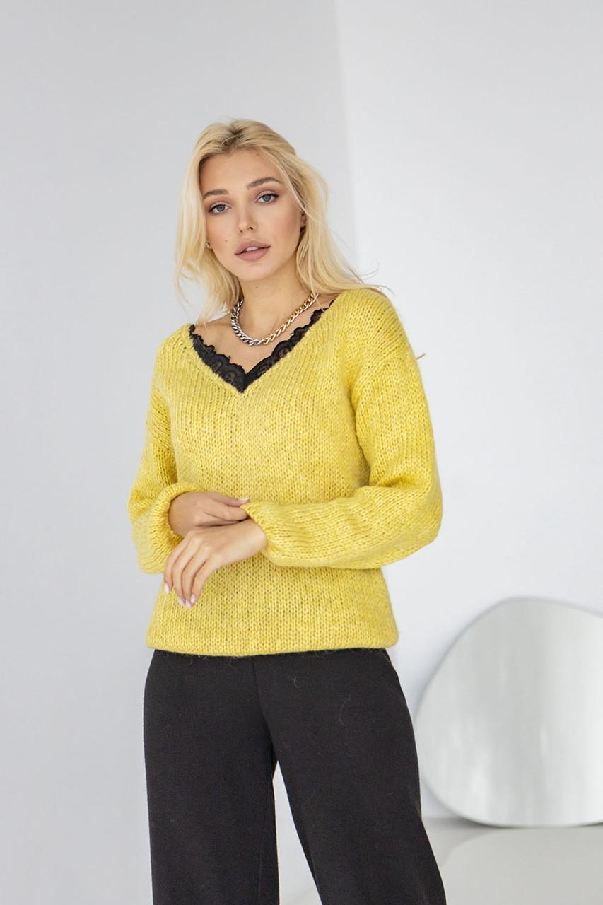 Тепла жіноча кофта з натурального мохеру золотисто-жовтого кольору