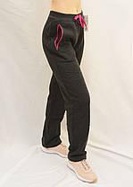 Брюки женские спортивные прямые книзу с начесом Штаны женские зимние Lintebob M Черный, фото 3