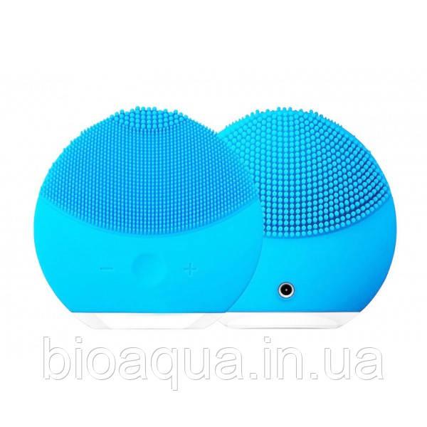 Электрическая щетка-массажер для лица FOREVER со встроенным аккумулятором и кабель для зарядки (голубая)