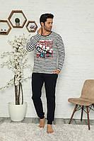 Мужской комплект со штанами и кофтой в полоску