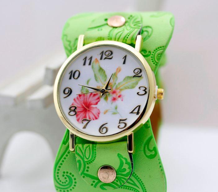 Наручные часы женские с салатовым ремешком код 243