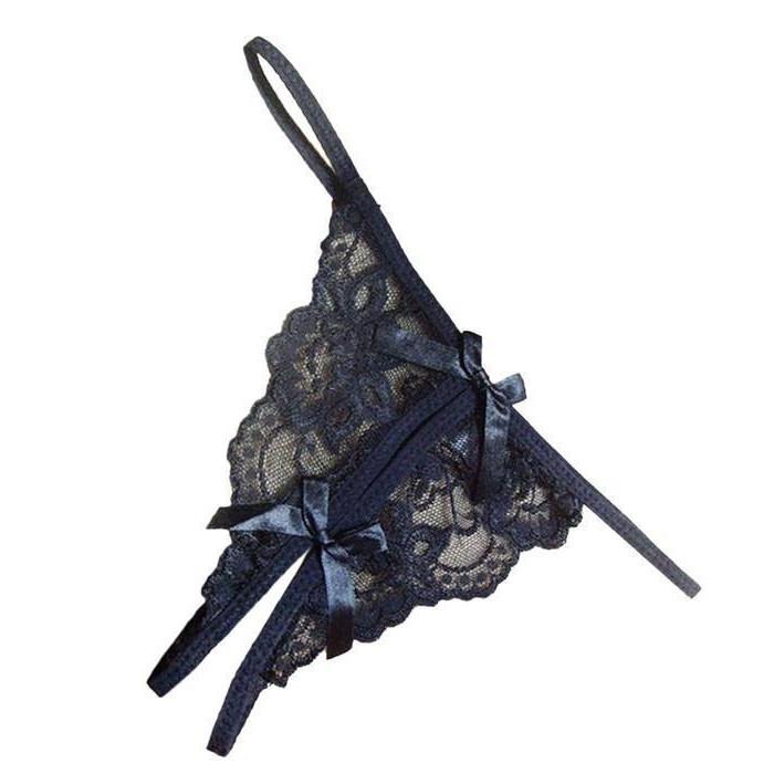 Кружевные трусики черные с разрезом