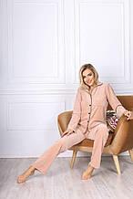 Женская уютная пижама штаны на резинке и кофточка на пуговках велюр беж голубой размер 42-44.46-48.