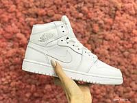 Кросівки жіночі в стилі Nike Air Jordan 1 Retro білі ( зима ), фото 1