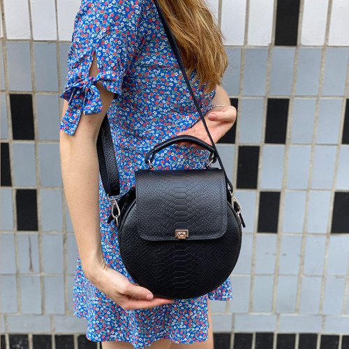 Модная круглая женская сумка из натуральной кожи с тиснением питон.