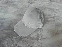Серая кепка Nike